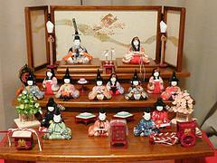 hinamatsuri display